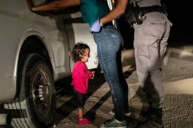 Viral Picture 'Crying Girl on the Border' Wins 2019 World Press Photo of the Year